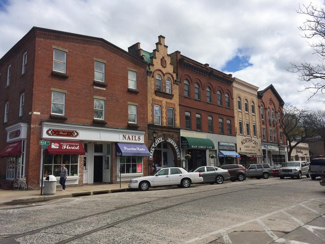 Main St, Northport